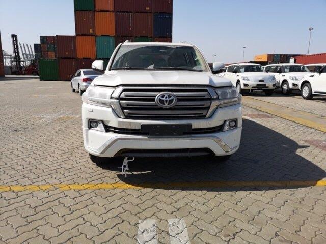 中东版丰田酷路泽4600 V8陆巡SUV爆惠价